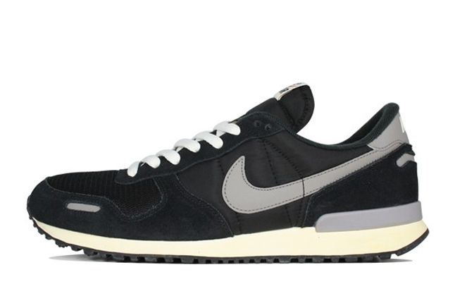 Nike Air Vortex Vntg Black Grey Profile 1