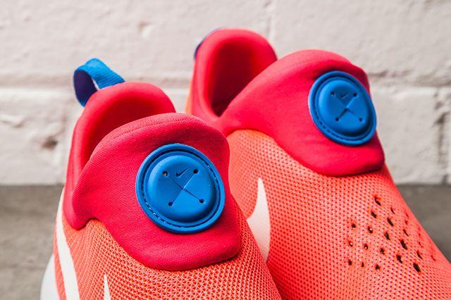 Nike Roshe Run Slip On Laser Crimson 21