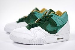 Nike Air Tech Challenge Wimbledon Bump Thumb