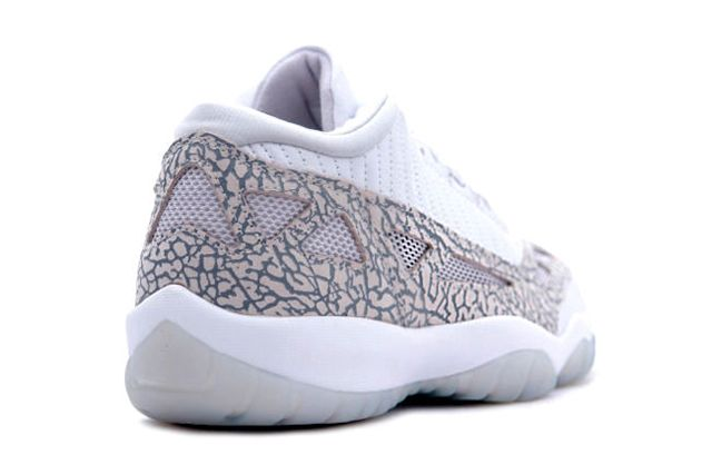 Air Jordan 11 Low Ie White Cobalt Zen Grey Cement Grey 3