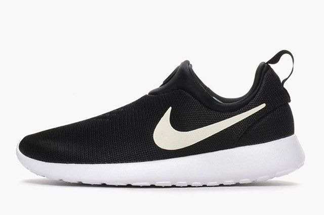 Nike Roshe Run Slip On Black White 4