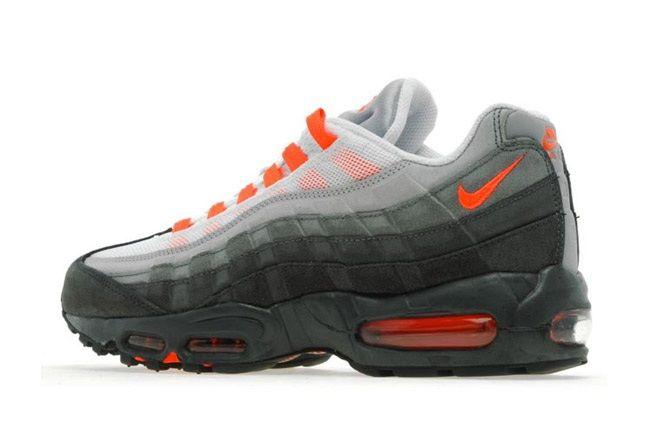 Nike Am95 Anthracite Crimson Heel Quarter2