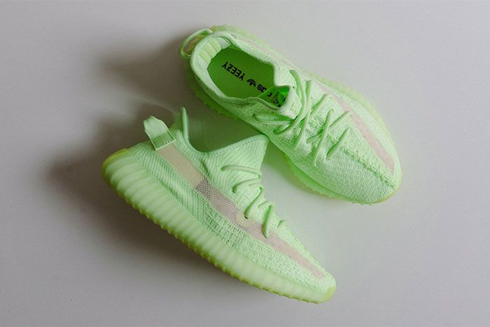Adidas Yeezy Boost 350 V2 Glow In The Dark Top
