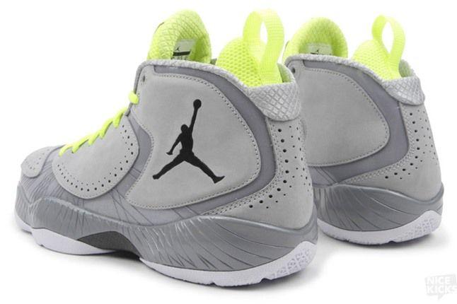 Air Jordan 2012 Wolf Grey 3 1