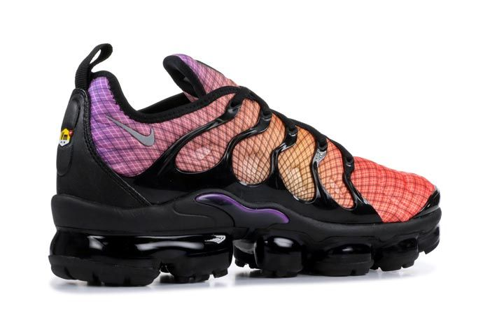 Nike Air Vapormax Plus Back Heel