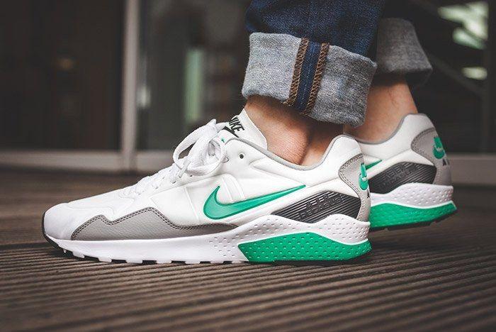 Nike Air Zoom Pegasus 92 White Stadium Green 1
