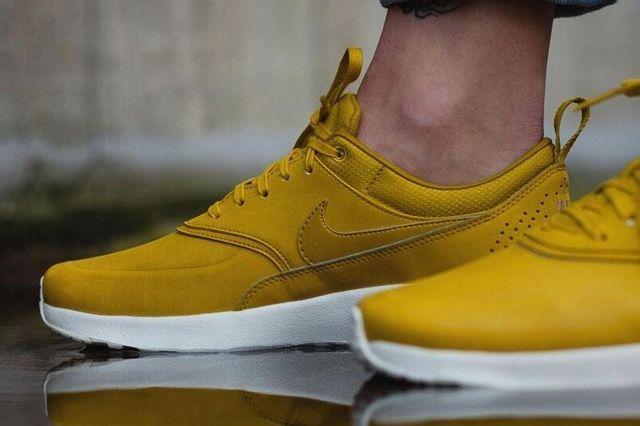 Nike Air Max Thea Golden 6