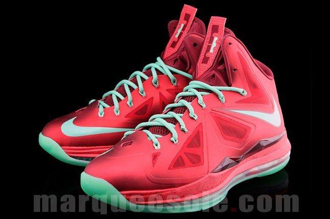 Lebron James Christmas Sneaker 2