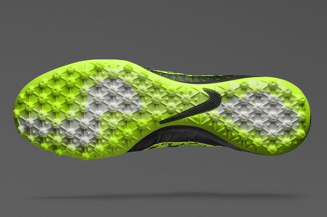 Nike Launches Elastico Superfly4