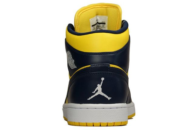 Air Jordan 1 Michigan Wolverines Heel 1