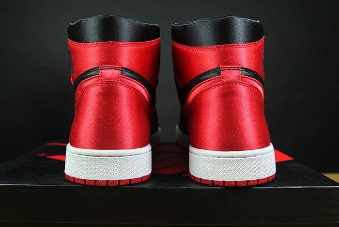Air Jordan 1 Satin Bred 8