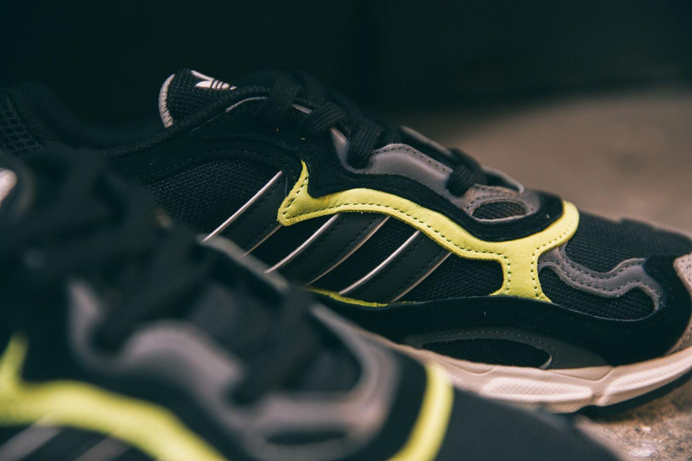 Adidas Originals Temper Run 11 Up Close