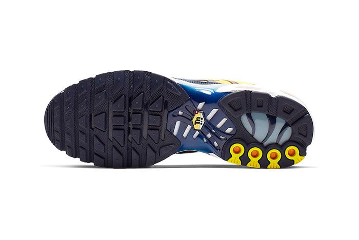 Nike Air Max Plus Navy And Orange Sole Shot 2