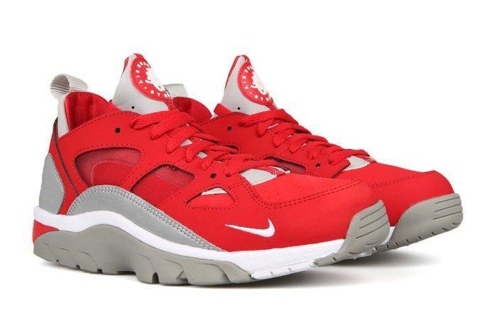 Nike Trainer Huarache Low University Red Metallic Silver 1