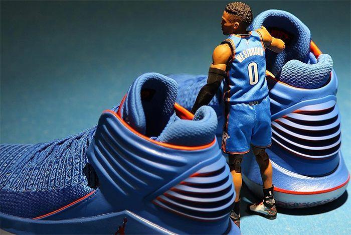 Aj32 Figurine Sneaker Freaker 3