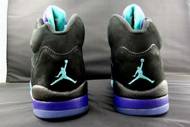 Air Jordan V Black Grape Heel Detail 1
