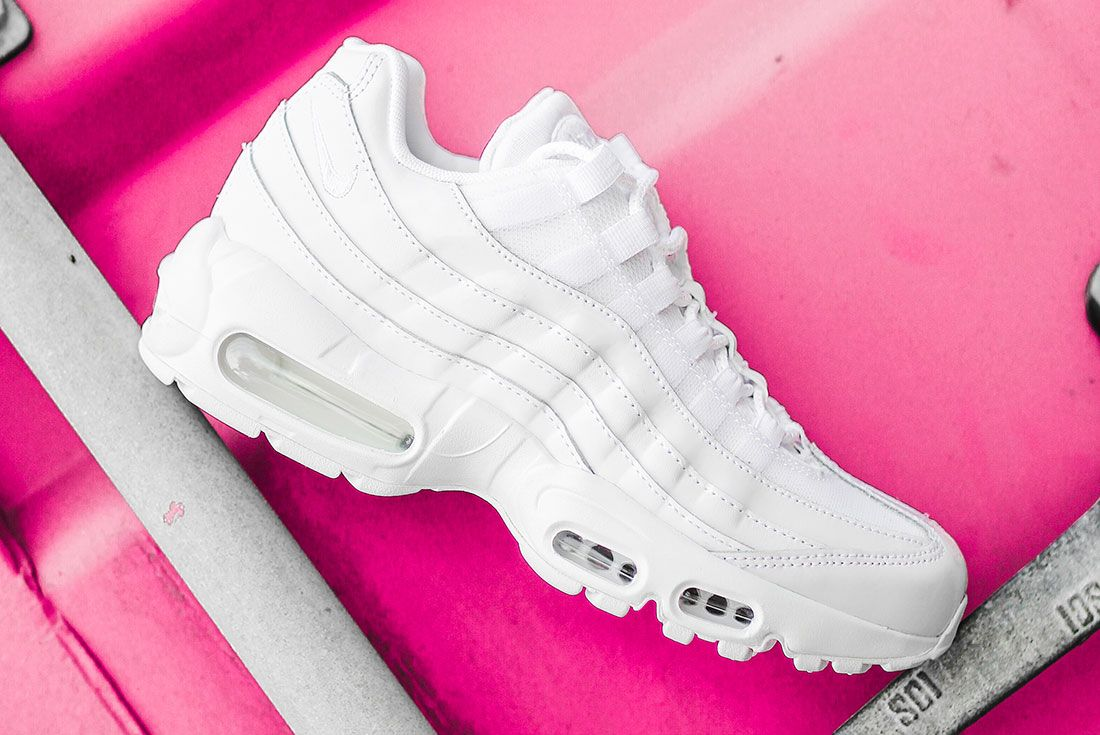 Nike Air Max 95 Jd Sports Australia White Lateral Pink Background