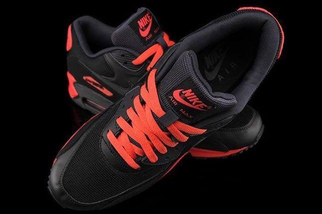 Black Air Max Sneaker 1