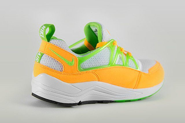 Nike Huarache Light Atomic Mango 11