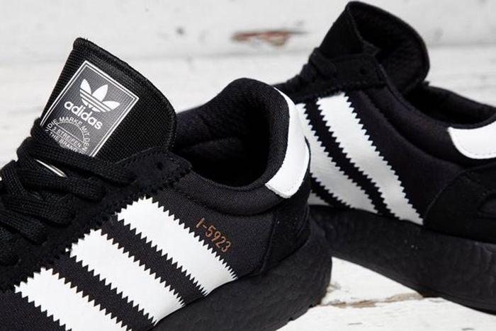 I 5923 Core Black White 2