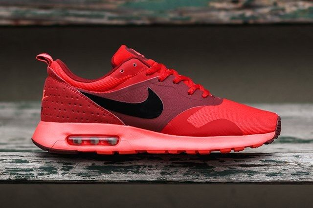 Nike Tava University Red