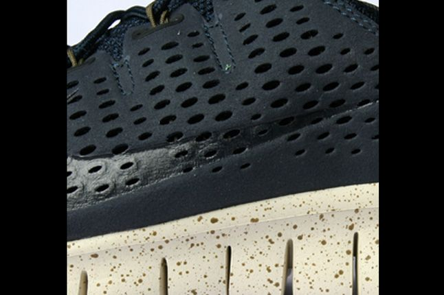 Nike Free Powerlines Ii Side Details 1