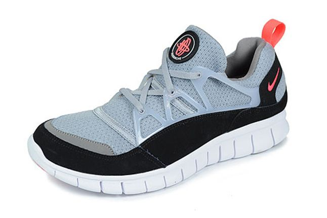 Nike Hurache Light Wolf Grey Infrared Spring Quater Front 1