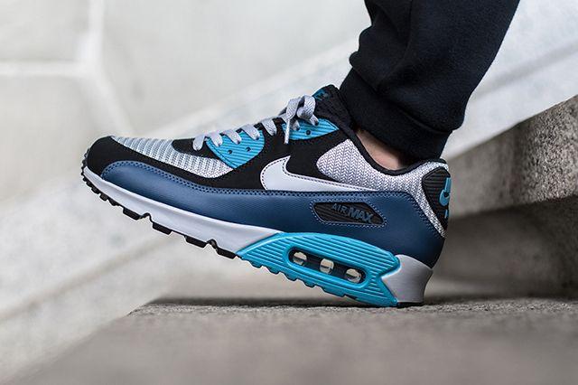 Nike Air Max 90 Squadron Blue Wolf Grey