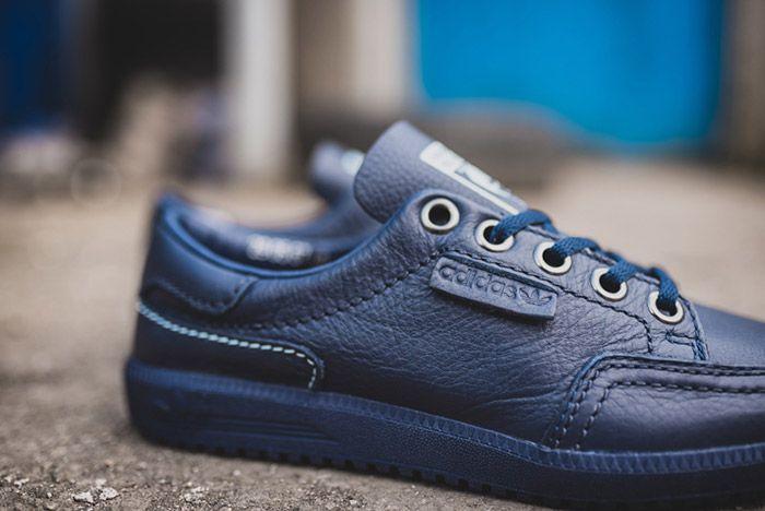 Noel Gallagher Adidas Garwen Blue 3