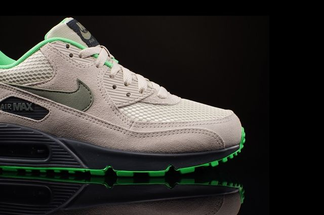 Nike Am 90 Poison Green Bumper 1