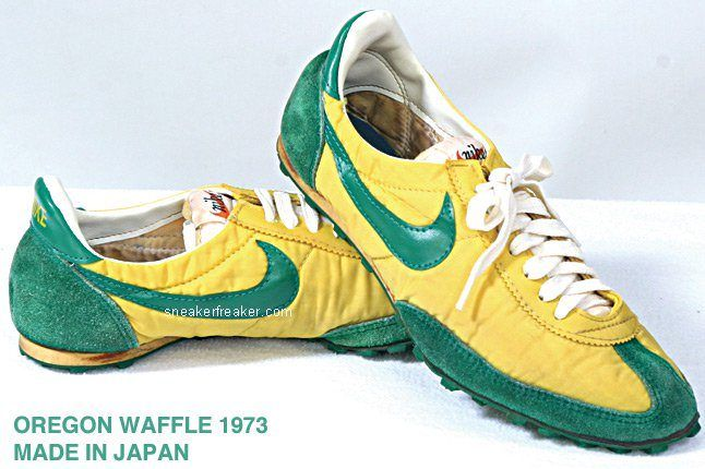 Vintage Collector Lindy Darrell Nike Runners 24