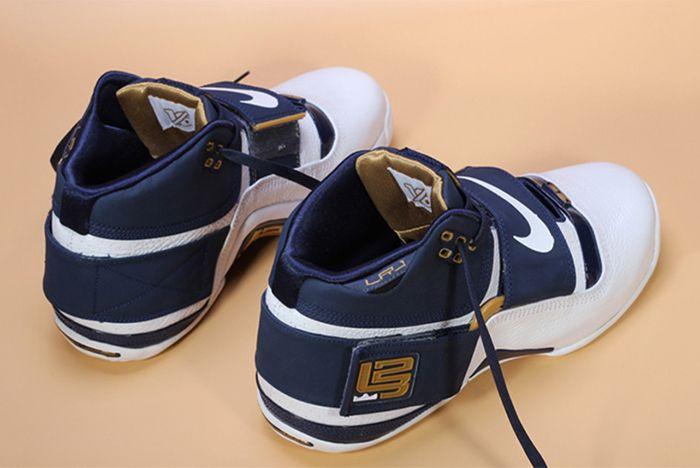 Nike Lebron Sodlier 1 25 Straight 5