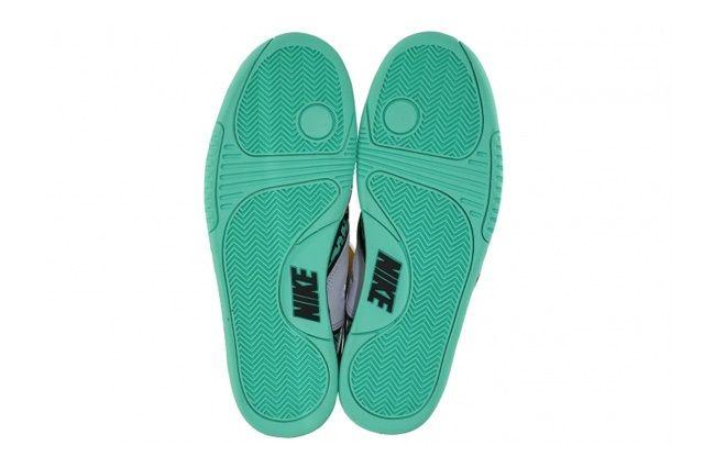 Nike Air Tech Challenge Hybrid Qs Green Glow 4