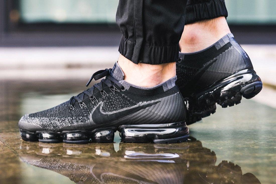 Nike Air Vapormax Black Anthracite On Feet 2