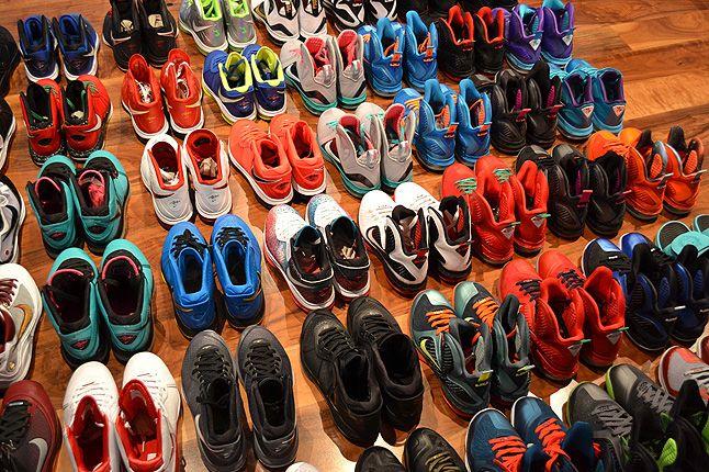 Sneaker Freaker Lebron Collector Garv 4 1