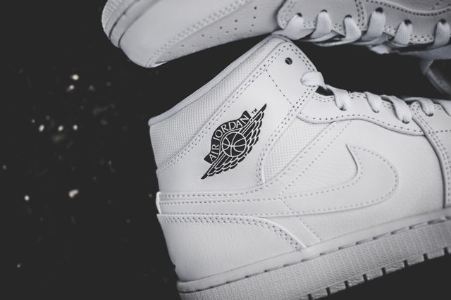 Air Jordan 1 Essentials Bumper 4