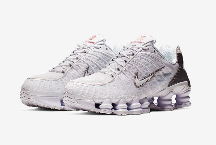 Nike Shoz White Metallic Silver Av3595 100 Three Quarter Shot