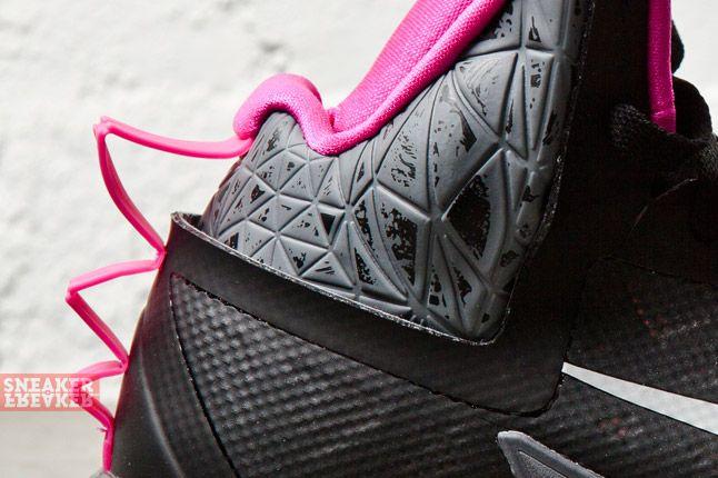Nike Zoom Hyperfuse 2013 Xdr Black Metallic Silver Pink 1 Det