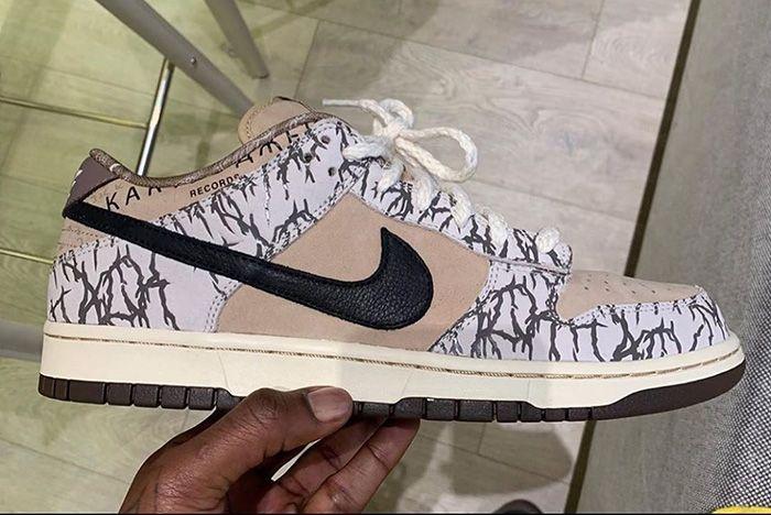 Travis Scott X Nike Sb Dunk Low Sample In Hand