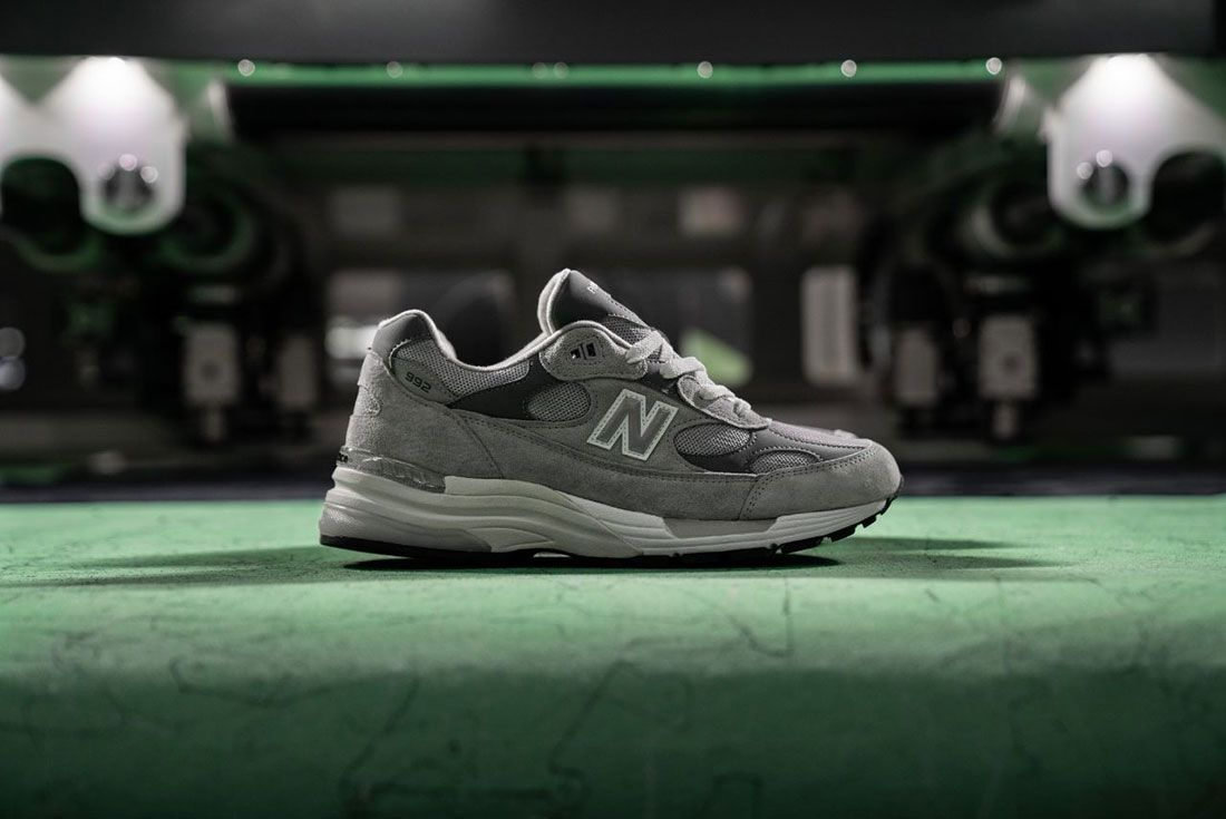 New Balance 992 Grey Hype Dc Factory Lateral