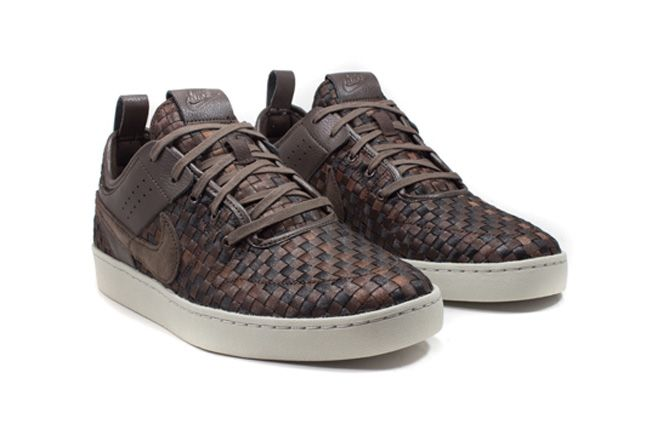 Nike Nsw Courtside Woven Track Brown Quater Front 1