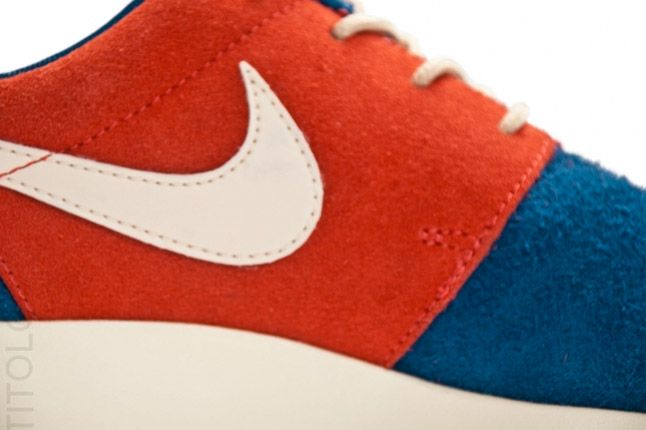 Nike Wmns Roshe Run Royal Blue Red Swoosh 1