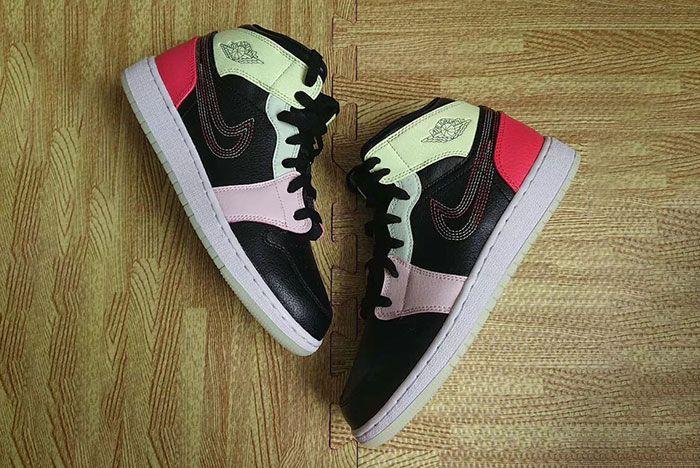 Air Jordan 1 Mid Glow In The Dark Av5174 076 Release Date 1 Pair Flat