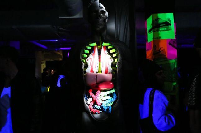 Nike Air Max Anniversary London Mannequin 1