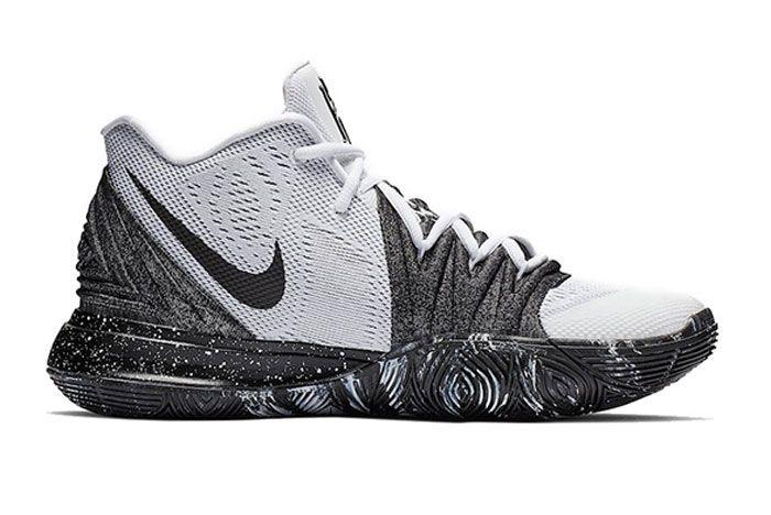 Nike Kyrie 5 Oreo Right