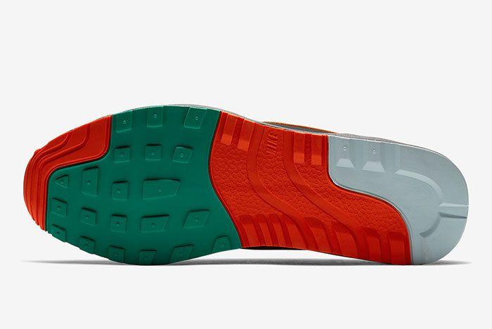 Nike Air Safari Supreme Tech Pack Ao3298 002 4 Sneaker Freaker