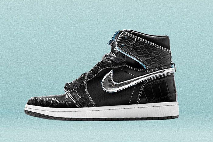 Diamond Air Jordan1 Surgeon Sneaker Freaker3