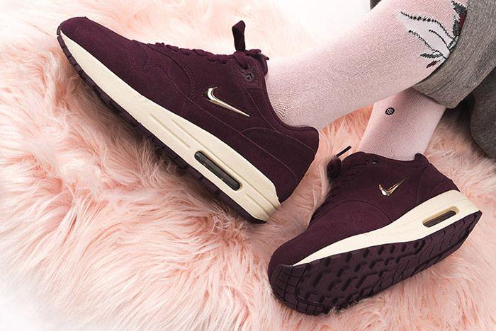 Nike Air Max1 Jewel Premium Sneaker Freaker Tsmolhumb