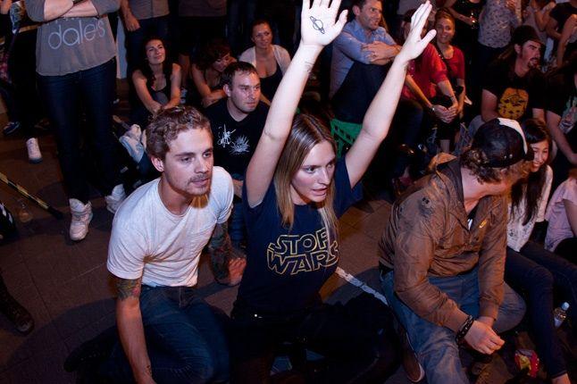 Crowd 3 1