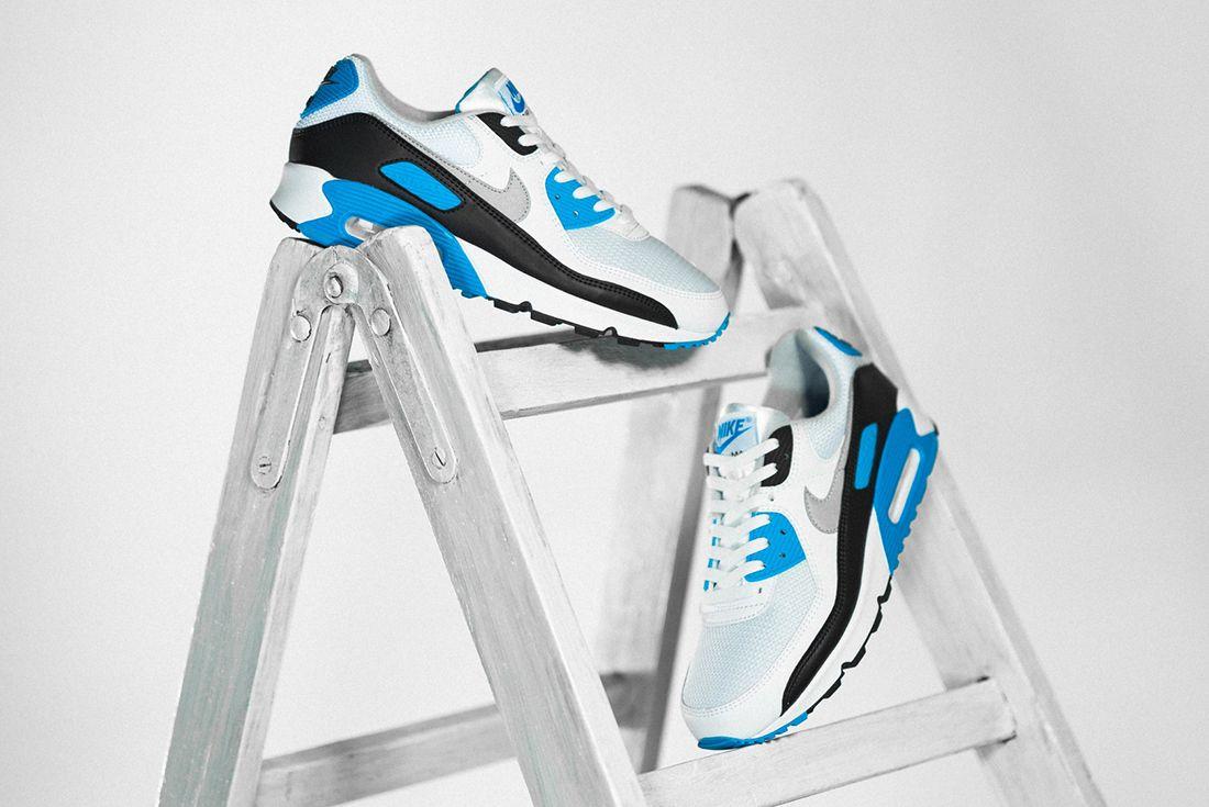 Nike Air Max 90 Laser Blue Angled